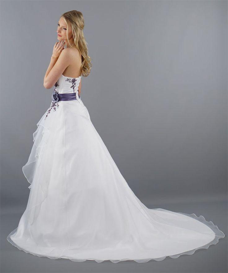 Die 25 Besten Ideen Zu Hochzeitskleid Weiß Lila Auf Pinterest