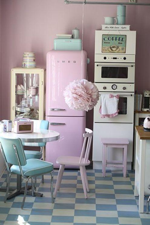 Cocina en rosa y verde pastel