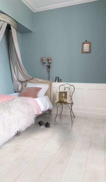white floors in bedroom 25+ best ideas about White Laminate Flooring on Pinterest   Laminate flooring colors, Grey
