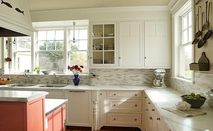 Newest Kitchen Backsplashes With White Antique Cabinets