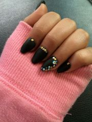 black and gold coffin nails matte