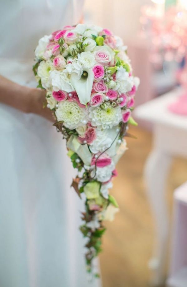 4229 best images about bouquets on Pinterest  Bride bouquets Cascading bouquets and Wedding