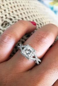 25+ best ideas about Popular Engagement Rings on Pinterest ...