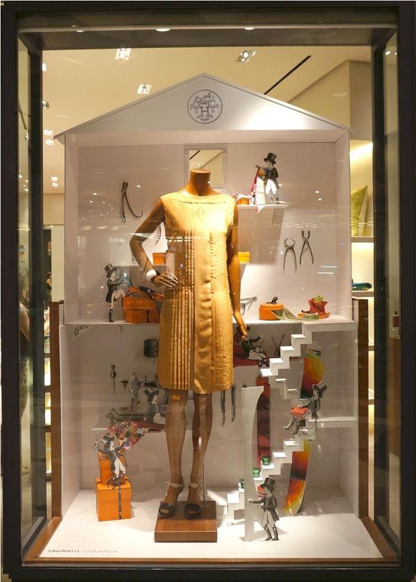 Christmas Storefront Displays Decor Workshop