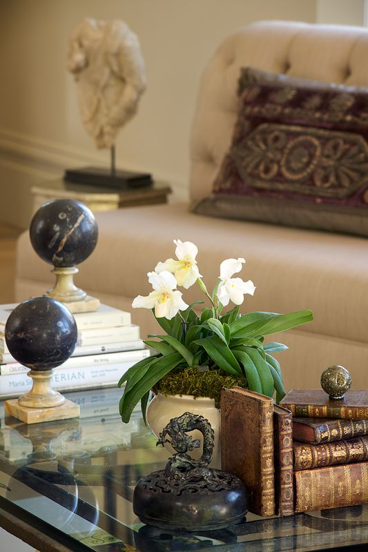 black and gold living room ideas color for small walls 775 best accessory vignettes images on pinterest