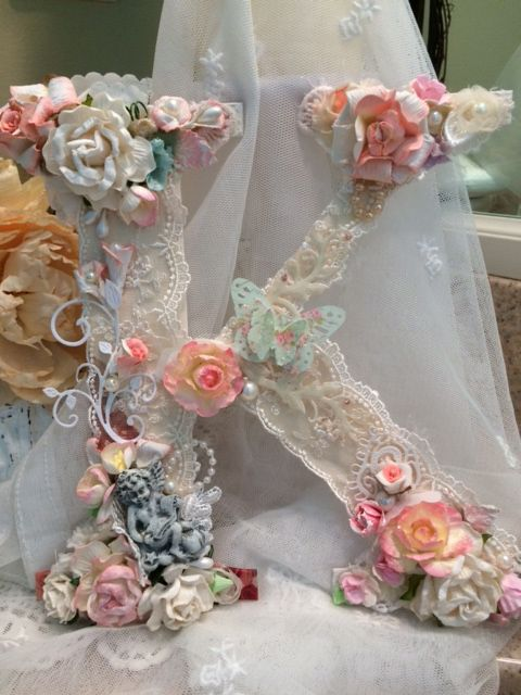 25+ Best Ideas about Shabby Chic Flowers on Pinterest