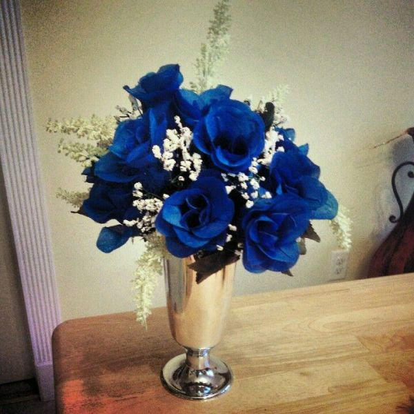 Royal blue with silver wedding centerpiece Color trends
