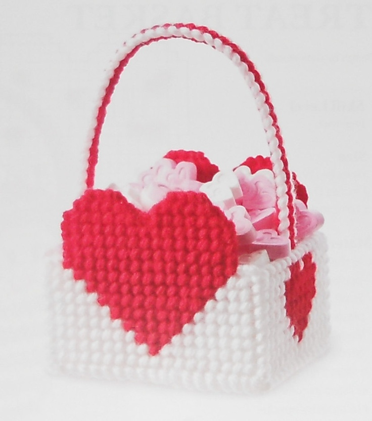 1000 images about Plastic canvas kiss holders on Pinterest