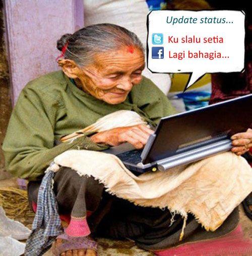 Gambar Lucu Nenek Gaul Main Laptop  funny pictures