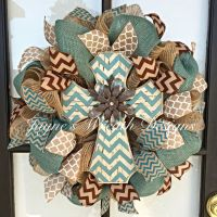 25+ best ideas about Burlap wreaths on Pinterest