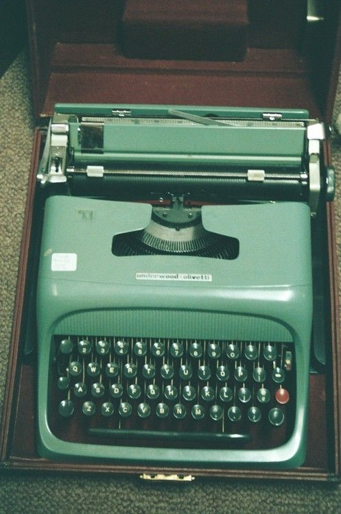 17 Best Ideas About Olivetti Typewriter On Pinterest