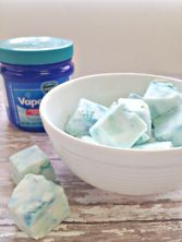 Try this easy recipe for homemade vapor rub shower cubes. This DIY remedy is perfect for clearing up nasal congestion and cold symptoms.: