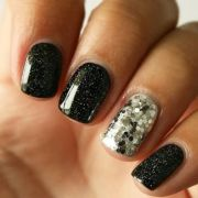 black and silver glitter nails