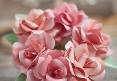 Diy Paper Rose Wreath The Elli Blog