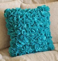 25+ Best Ideas about Turquoise Throw Pillows on Pinterest ...