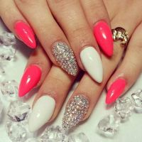 17 best ideas about Pointy Nails on Pinterest | Pointy ...