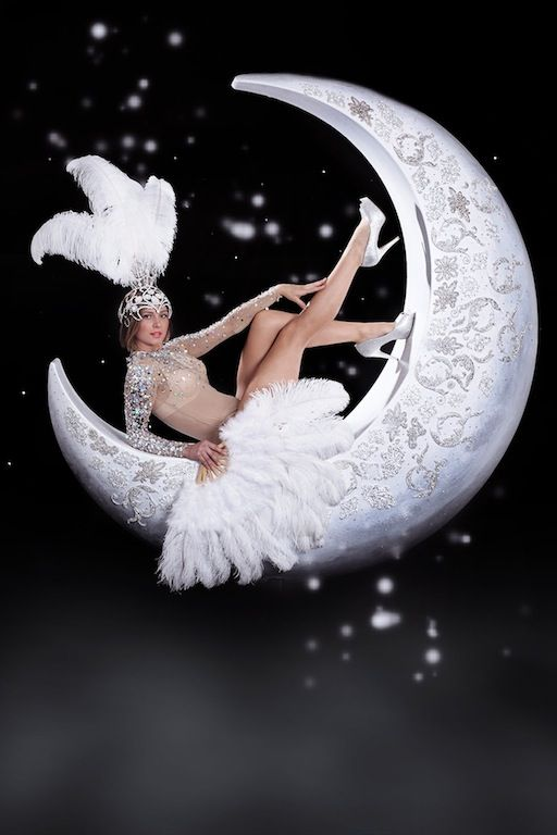 moon prop giant moon diamond moon prop for hire moon