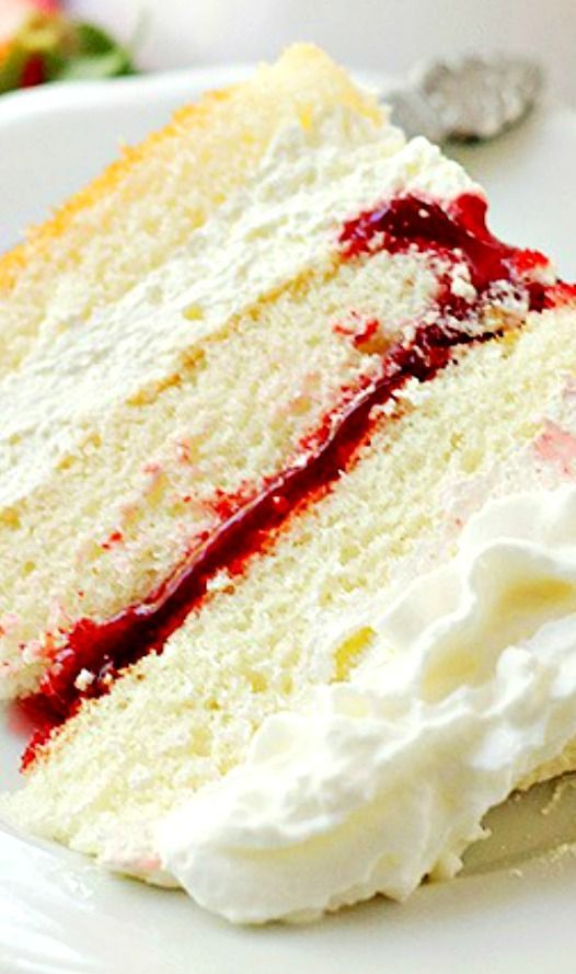 25 best ideas about Strawberry Filling Cake on Pinterest