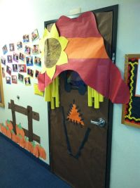 scarecrow door. fall paper decorations. paper projects ...