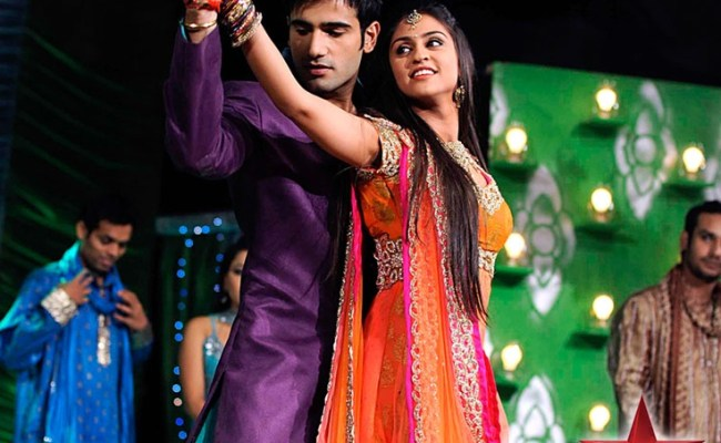 Jeevika And Viren Shake Legs Together Weddings Events