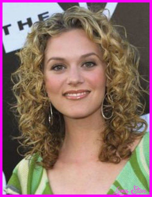 25 Best Ideas About Medium Curly Haircuts On Pinterest Medium