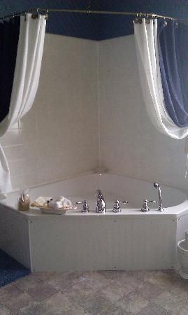 25 Best Ideas About Corner Bath Shower On Pinterest Corner