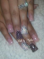 duckfeet nude nails with bling