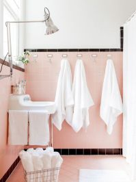 1000+ ideas about Pink Bathrooms on Pinterest   Vintage ...
