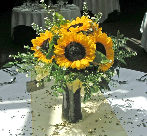 Wondrous Sunflower Table Settings Ronniebrownlifesystems Interior Design Ideas Inesswwsoteloinfo