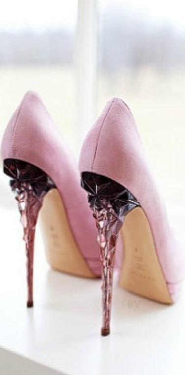 Pink. Pumps. . . #stilettos