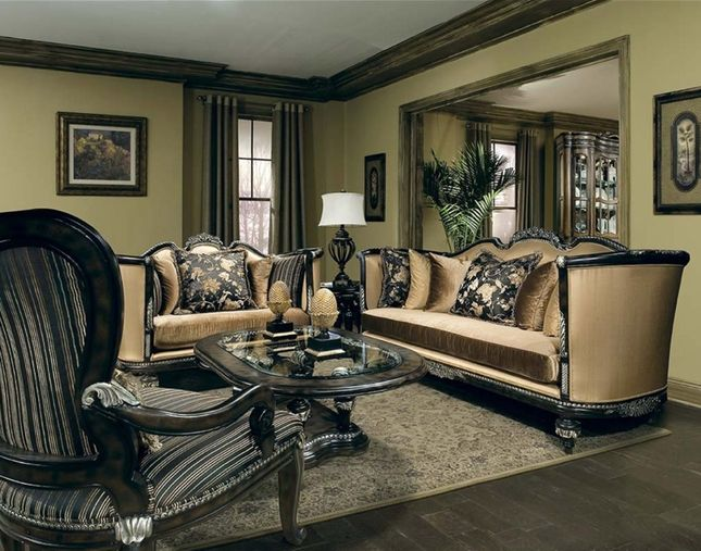 Benetti's Italia Veneto Antique Style Formal Sofa Set