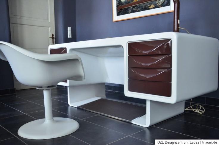 70s office desk space age design  Futuristic furniture