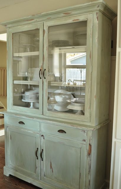 How to make a new piece of furniture look old with paint and distressingKitchen hutch reveal