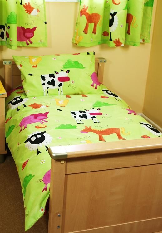 Bright toddler bedding set in farm animal print 29.95