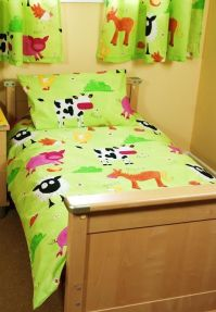 Bright toddler bedding set in farm animal print 29.95