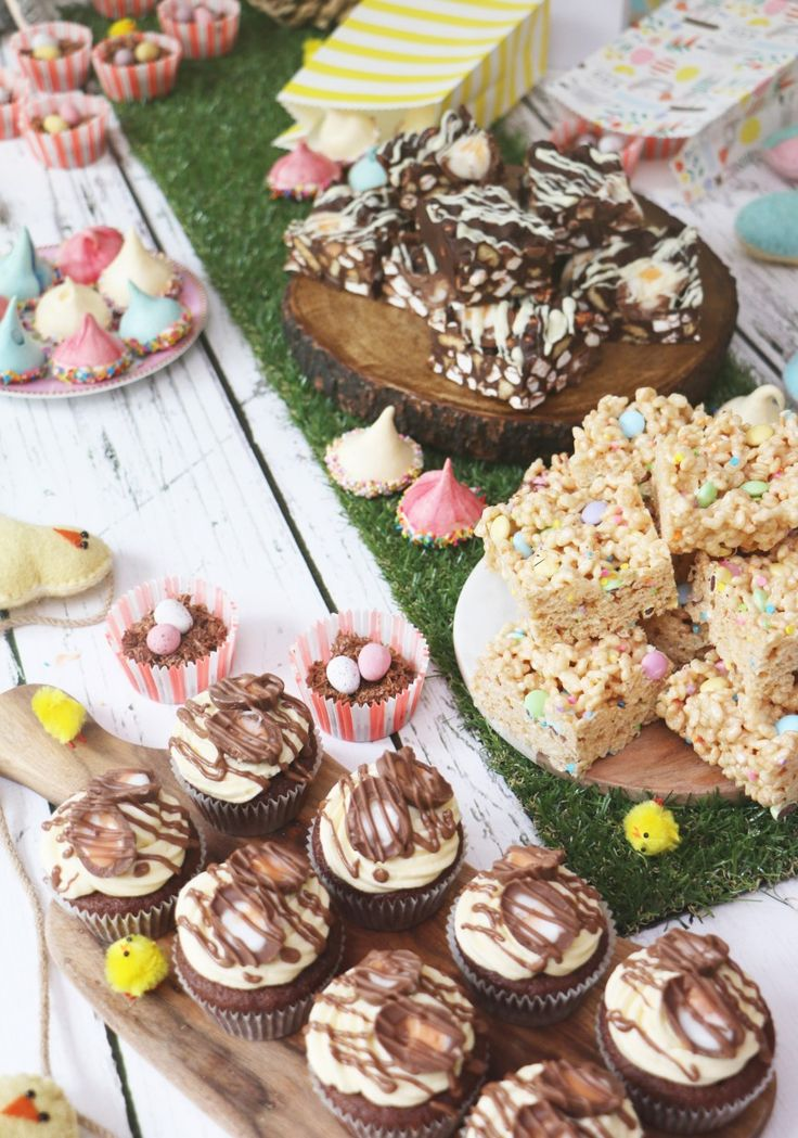 Zoella Easter Cakes