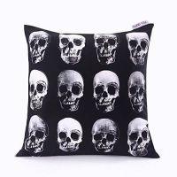 1000+ ideas about Skull Pillow on Pinterest   Horror decor ...