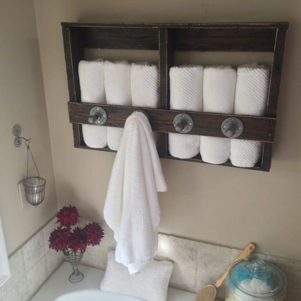 17 Best ideas about Pallet Towel Rack on Pinterest  Towel