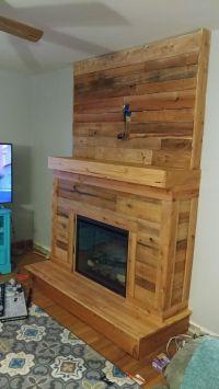 25+ best ideas about Pallet fireplace on Pinterest ...