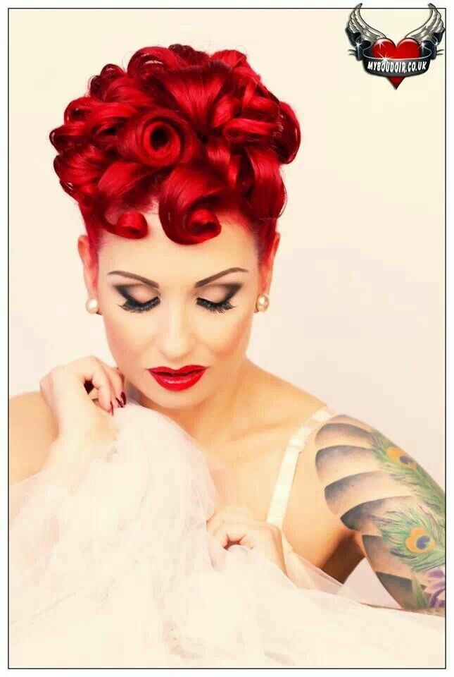 1000 ideas about Rockabilly Updo on Pinterest  Victory Rolls Retro Updo Hairstyles and Pin Up