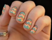chevron- dripping gradient nail