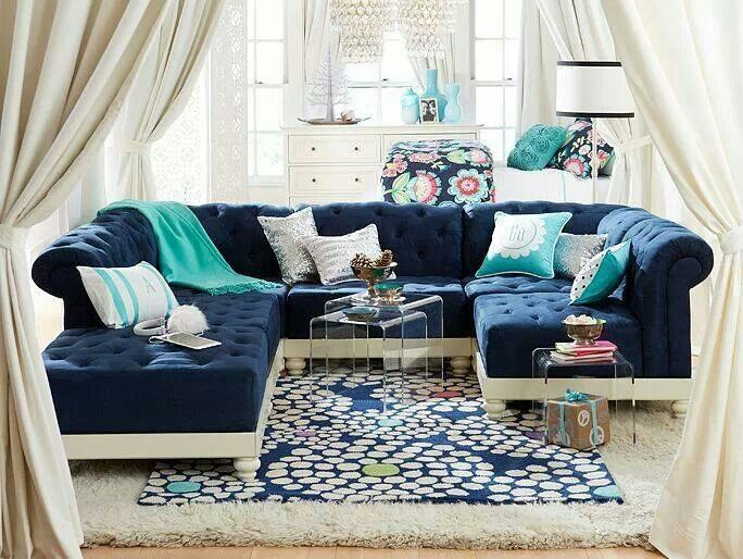 Navy And Aqua Living Room Design. Cozy.