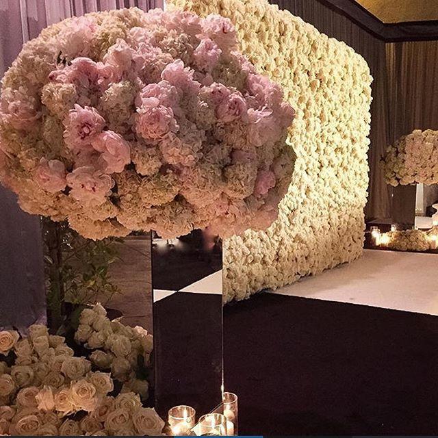 1000 Ideas About Flower Wall Wedding On Pinterest