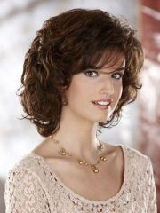 medium length- curly hairstyles