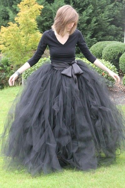 Craft — Halloween — Witch skirt… unbelievable awesome Halloween tutu for grown-ups!- do it in pink be glenda the good witch
