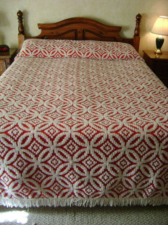 Vintage Chenille Bedspread  Red White  Wedding Ring
