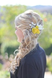 wedding hairstyle blonde loose