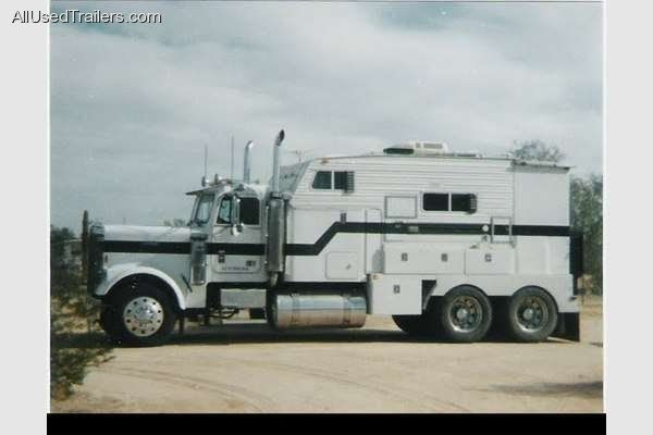Its A Freightliner 18 Wheeler Converted Into A Class A Motorhome Extreme Motorhomes And