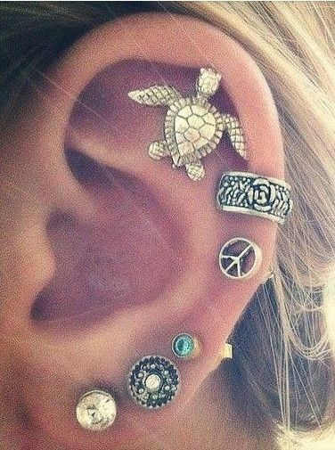 I'm in love with the turtle earring!
