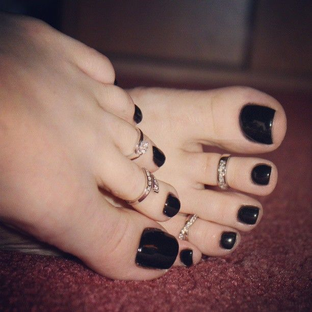 25+ best ideas about Painted toe nails on Pinterest